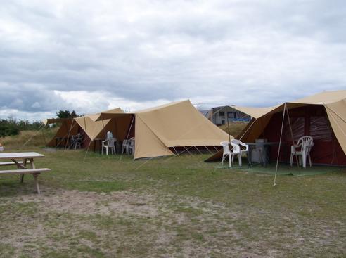 Volledig ingerichte tenten